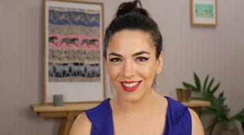 Tutorial de maquillaje delineado de ojos dramático graphic liner con Andrea Flores