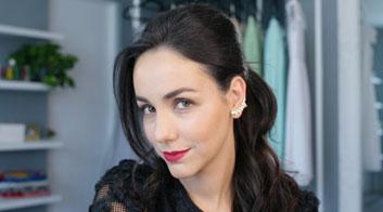 Tutorial de maquillaje de labios cherry y piel bronceada con Chantal Torres