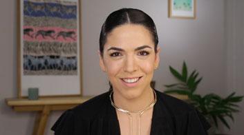 Tutorial de maquillaje de ojos con pestañas más grandes y voluminosas con Andrea Flores